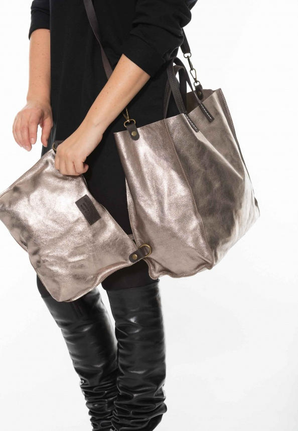Damen-Ledertasche, Metallic-Optik mit Innentasche, gold